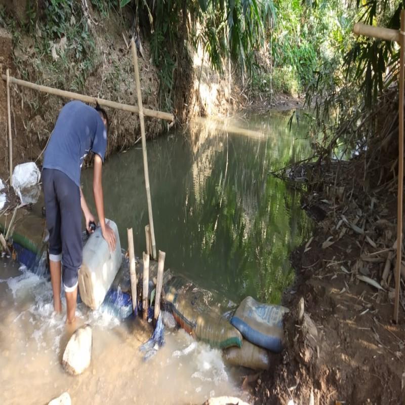 Harus Menempuh 2KM Untuk Mendapatkan Air Bersih, Bangun Sumur Wakaf di Pasir Bangkonong!